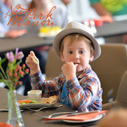 Family friendly lunch at New Park Manor